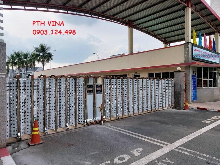 cửa cổng xếp inox