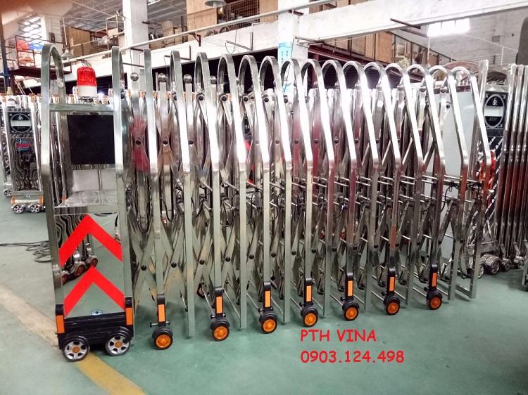 sản xuất cổng xếp inox giá rẻ