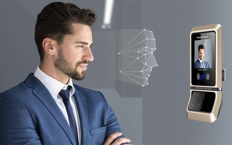 Công nghệ chấm công khuôn mặt PTH